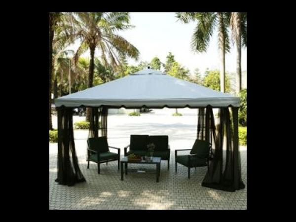 Terrasse De Fête Avec Tente Moustiquaire Inusable Anti-soleil A Cour ...