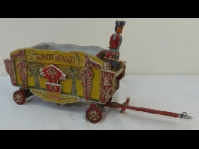 Antique Populaire Art Peint Bois Barnum's Animal Cirque Wagon Applied Sculptures